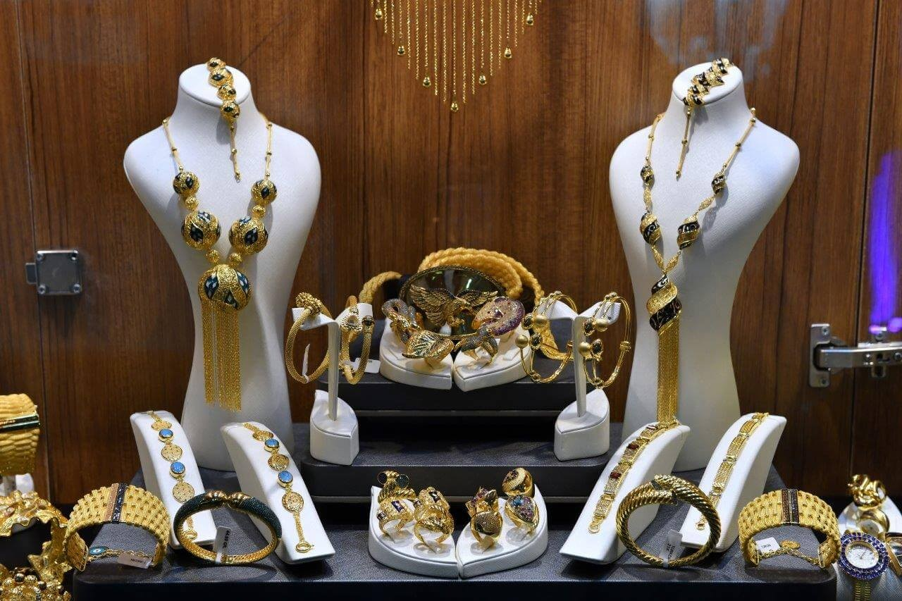 You can reach best jewelry manufacturers in Istanbul Jewelry Show